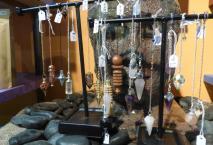 Lithotthérapie: Pierres semi-précieuses , bijoux - Esotérisme : Pendules....